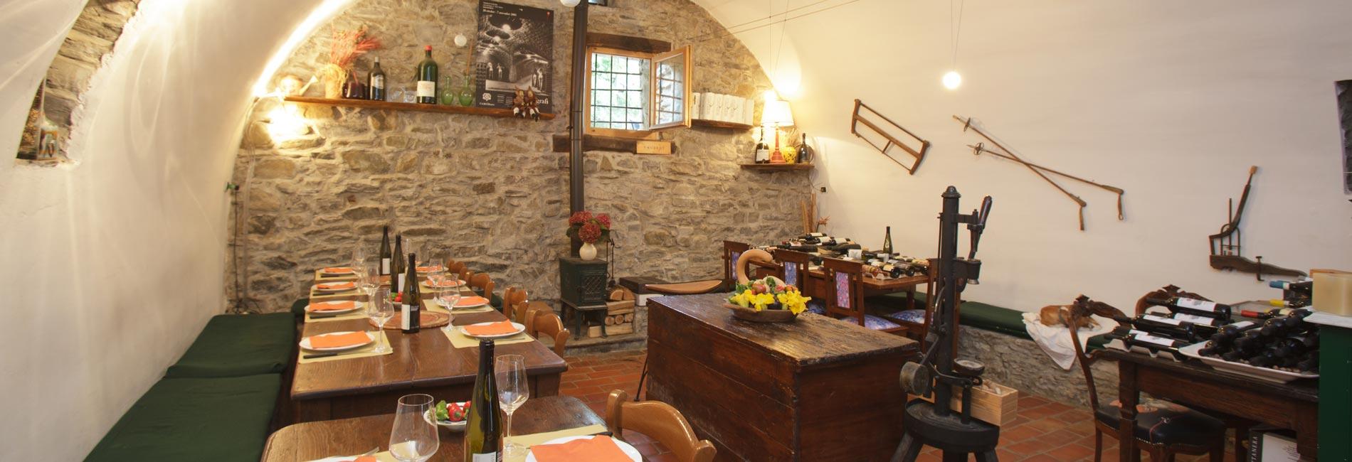 Foto della sala del ristorante dell'agriturismo
